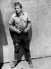 Gene Kelly UNSIGNED photo - B2290 - The Cross of Lorraine