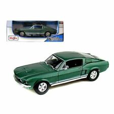 Maisto 1967 Ford Mustang GTA Fastback Diecast Model Toy Car  1:18- Green