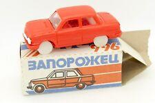 JOUET ANCIEN 1/43 ZAZ ZAPOROZETS 966 CCCP URSS USSR TOY AVEC SA BOITE