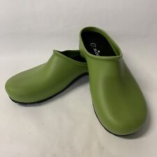 Sloggers Gardening ClogShoes, GreenSolidRubberwith Inserts, Women's Size 8