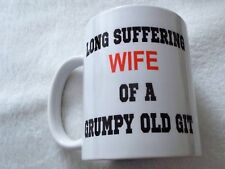 Largo Suffering ESPOSA OF A GRUMPY OLD GIT 313ml Taza de Cerámica Regalo Navidad