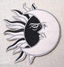 ÉCUSSON PATCH BRODÉ thermocollant ** 10 x 11 cm ** SOLEIL et LUNE Noir et Blanc