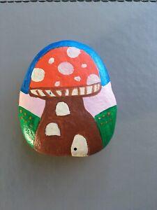Hand Painted Stone Pebble Fairy House Mushroom Garden Decoration