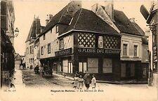 CPA  Nogent-le-Rotrou - La Maison de Bois  (385466)