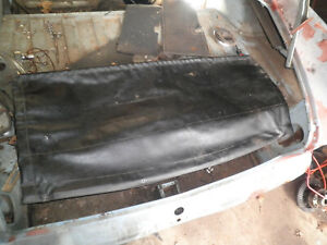 1963 Alpine Sunbeam vinyl /leather trunk back seat divider with rod