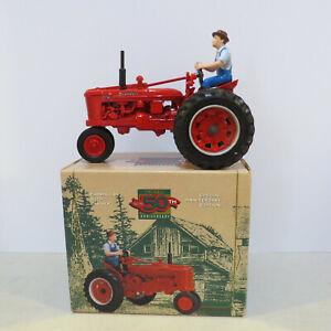 """Ertl Farmall """"H'"""" Tractor 50th Year  1/16 IH-4453DA-B"""