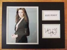 Suzi Perry-F1 presentador-Excelente firmado Display-Completo firma detalles cert. de autenticidad