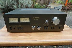 Vintage Technics SU 7300 K woodcase looks and works very good