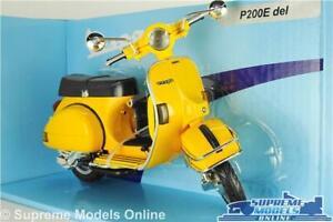 VESPA P200E MODEL SCOOTER MOPED BIKE YELLOW LARGE 1:12 SCALE CLASSIC NEWRAY K8