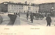 3617) LIVORNO, PIAZZA GARIBALDI, CHIOSCO, CARRO E PASSANTI. VIAGGIATA NEL 1901.