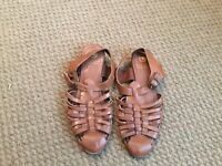 RIVER ISLAND LADIES BROWN LEATHER SANDALS SIZE 5
