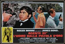 fotobusta  JAMES BOND 007  L'UOMO DALLA PISTOLA D'ORO ROGER MOORE