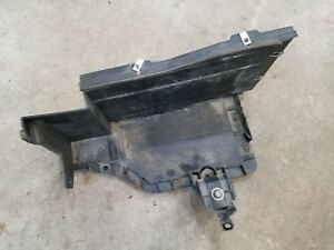 OEM CADILLAC SRX 07 08 09 AWD BATTERY TRAY BRACKET HOLDER MOUNT 25783790 4P