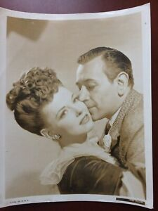 "GEORGE RAFT & JOAN BENNETTE IN NOB HILL.VINTAGE.ORIGINAL  PHOTO.1945.8""X 10"".F"