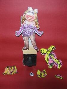 """1980 """"PAPER"""" DOLLS DRESS UP COLORFORMS MUPPET SHOW PUPPET Miss PIGGY W/CLOTHES"""
