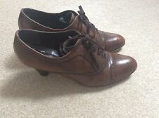 Clarks brown lace up shoes size 7 leather uppers