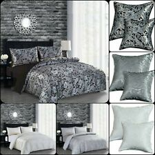 Luxury 3 Piece CLEO Paisley Jacquard Duvet/Quilt Cover Bed Set + 2 Pillow Cover