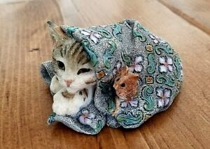 Country Artist KITTEN WITH MOUSE #01446 Cat Figurine Resin