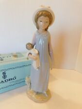 """Lladro 5045 Young Girl Belinda w/ Her Doll Porcelain Figurine 11 1/4"""" Tall Boxed"""