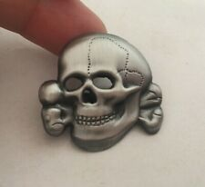 Skull MILITARY EMBLEM METAL INSIGNIA BADGE PIN Brooches Army Medal size: 3 cm