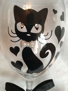 Personalised Cutie Cat Wine Glass Ideal Mothers Day/ Birthday Gift