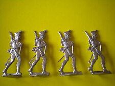 PLATS D ETAIN ETAT BRUT - 4 SOLDATS QUI MARCHE EN TENANT LA BRETELLE DE L ARME