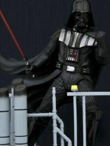 Star Wars: The Empire Strikes Back™ - Darth Vader Milestones Statue