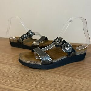 Naot Woman's Size 40 Leather Sandals Black Embellished Comfort Shoes Flats