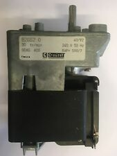 Crouzet Motor 82662.0 240v 50Hz 30 RPM tr/min Motor with gearrbox