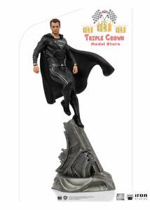 Superman Zack Snyder's DC Art Scale Statue 1/10 Black Suit 30 cm - Iron Studios