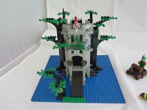 Lego 6077 ~ Forestmen's River Fortress ~ 100% complete & instructions