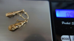 9ct 375 Drop Gold Earrings  fancy chased  just under 1 gm
