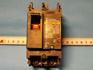 Fuji Electric   EA32AC (BB2AEAC-015) 2P  15A 220VAC  2.5kA