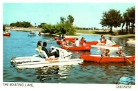 Postcard - THE BOATING LAKE, SKEGNESS,  LINCOLNSHIRE  ( Ref M11)