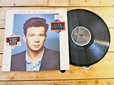 RICK ASTLEY HOLD ME IN YOUR ARMS LP 33T VINYLE EX COVER EX ORIGINAL 1988