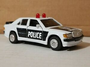 Welly Die Cast Mercedes-Benz 190E Police #8667 VINTAGE DIECAST TOY 1:43