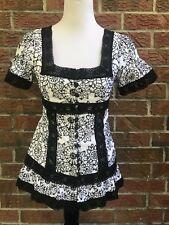 Nanette Lepore Black & White floral Fashion Ladies Print Top 4