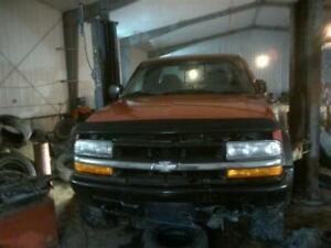Passenger Headlight Chevrolet Fits 98-05 BLAZER S10/JIMMY S15 88604