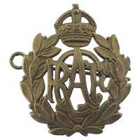 Vintage RCAF Royal Canadian Air Force Cap Hat Badge Metal R067
