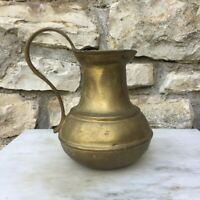 Ancien pichet en bronze travaillé à la main, art déco vintage