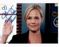 JULIE BENZ signed Autogramm 20x25cm HAWAII 5-0 in Person autograph DEXTER