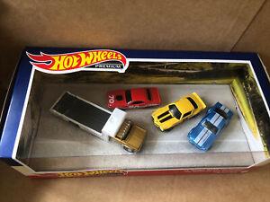HOT WHEELS PREMIUM DIECAST SET - '70 Dodge Hemi Challenger, 70 Camaro, Retro Rig
