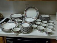 Mikasa Fine China Adobe 60 Piece Set Southwest Pattern Service for 11+ Excellent