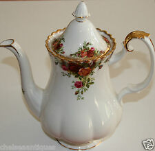 AUTH 1962 Royal Albert Old Country Roses COFFEE POT +LID H25cm White Floral Gilt
