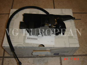 Mercedes-Benz ML-Class Genuine Front Left Door Lock Mechanism ML320 ML350 ML500