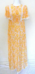 Vintage 60/'s Full Slip Pastel Yellow with Scalloped Lace Trim  Size 32 Short