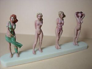 O SCALE  1/43  FIGURES  SET 104  NUDE  GIRLS  VROOM  UNPAINTED  FOR  NOREV