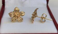 18k Solid Yellow Gold Stud 3D Flower Earrings, Diamond Cut 2.70 Grams