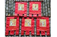 Suite de cinq 5 oriflammes en soie à motifs religieux XIXe Siècle