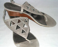 Calvin Klein womens 9 T strap thong wedges sandals metallic pewter leather soft